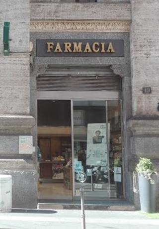 esterno-la-farmacia-centrale